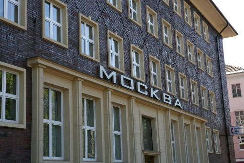 Stay at Moskva Hotel
