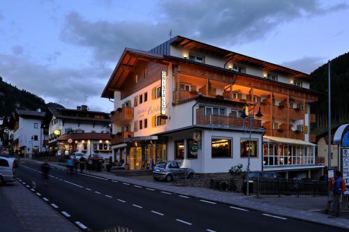 Отель Hotel Cristallo 3 звезды Италия