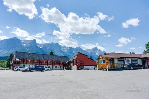 Picture of Rocky Mountain Ski Lodge
