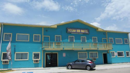 Hotels Near Pleasure Pier, Galveston : Find, Compare and Book