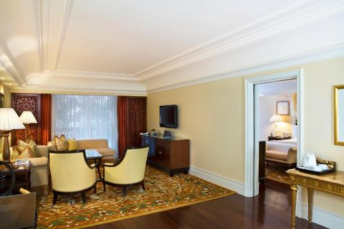Leela Palace Bangalore Room Rent