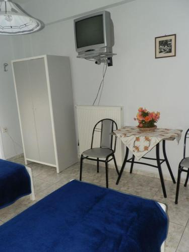 Studio - Terassi (2 aikuista) (Studio with Terrace (2 Adults))