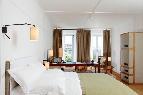 Louis Hotel photo 24