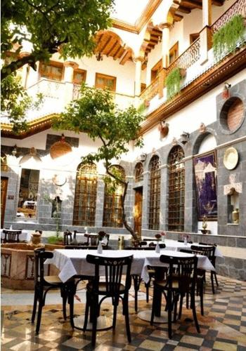 Afnan charming hotel damascus low rates no booking fees for Charming hotels
