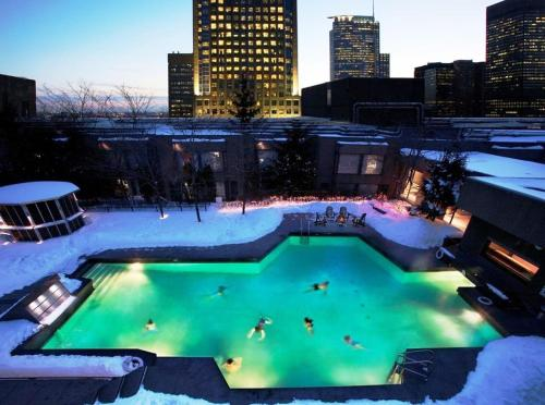 Hotels vacation rentals near montreal train station for Cabin rentals in montreal canada