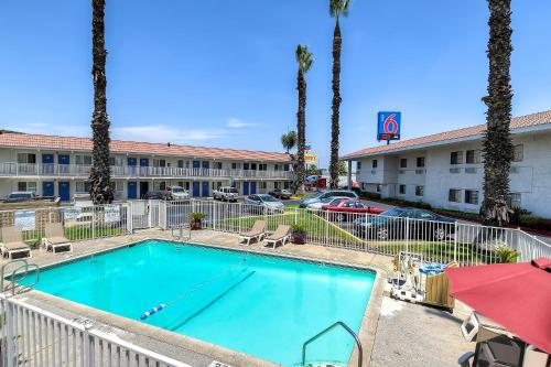 Discounts average $10 off with a Motel 6 promo code or coupon. 50 Motel 6 coupons now on RetailMeNot.