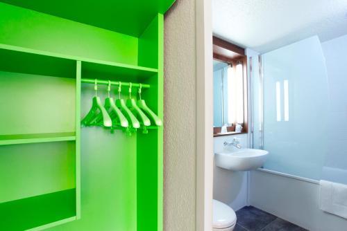 campanile lille est villeneuve d 39 ascq h tel avenue de. Black Bedroom Furniture Sets. Home Design Ideas