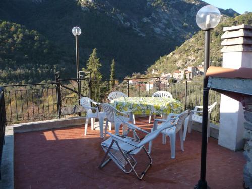 foto Casa tra gli ulivi (Airole)