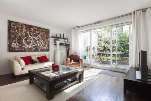 Отель onefinestay - Boulogne private homes 0 звёзд Франция