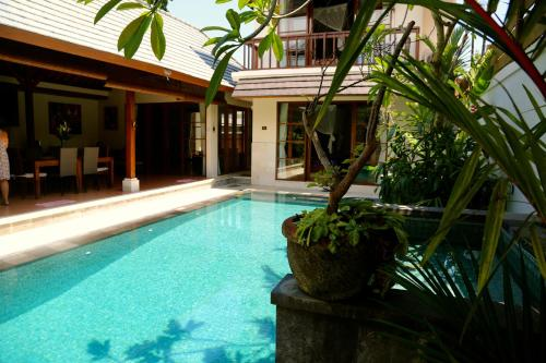 Отель Bumi Ayu Villa 2 звезды Индонезия