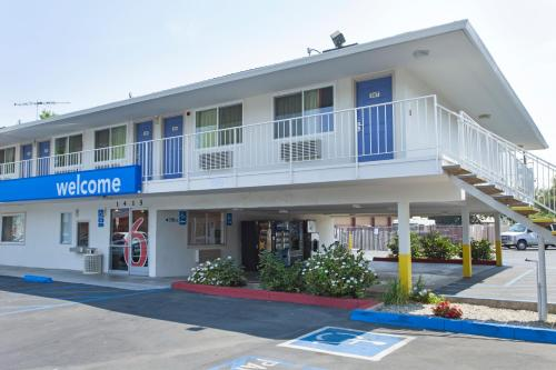 Picture of Motel 6 Sacramento Downtown