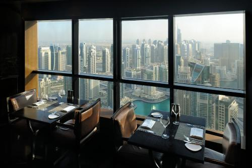 Dubai Marriott Harbour Hotel And Suites photo 2