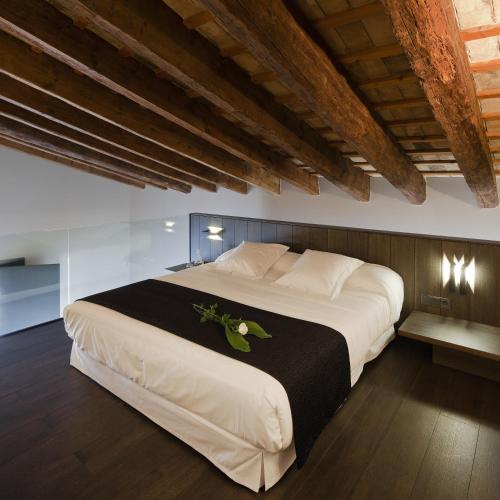 Junior Suite - single occupancy Caro Hotel 4
