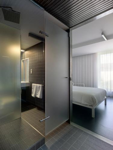Double or Twin Room Moure Hotel 3