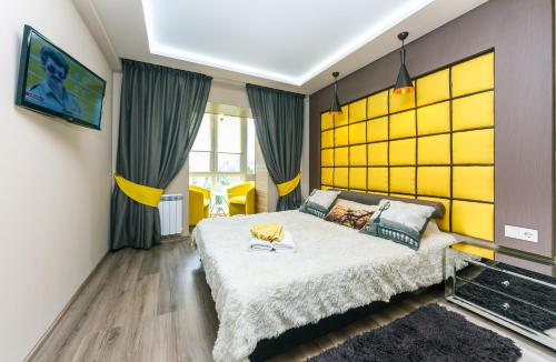 Three-Bedroom Apartment on Novohospitalna street 5a