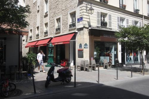 Hotel Palace Rue Bouchardon Paris