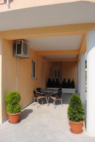 Apartments Kairos - Bili 9
