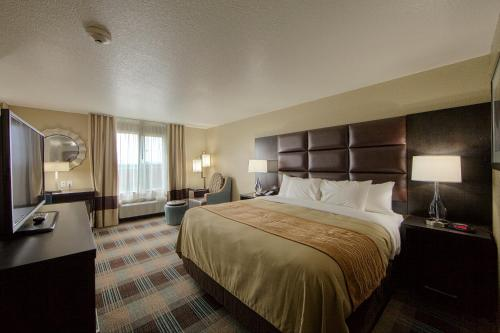 Comfort Inn and Suites Fort Worth West hotel accepts paypal in Fort Worth (TX)