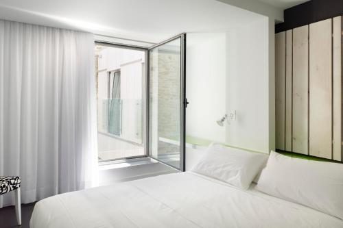 Double or Twin Room Moure Hotel 6