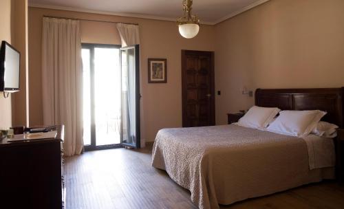 Suite Junior con terraza Torre Maestre Hotel Rural 1