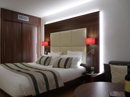 residhome paris massy massy france overview. Black Bedroom Furniture Sets. Home Design Ideas