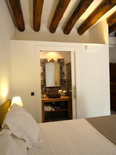 Basic Double Room Hotel Mas Carreras 1846 4