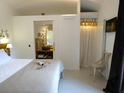 Standard Double Room Hotel Mas Carreras 1846 5