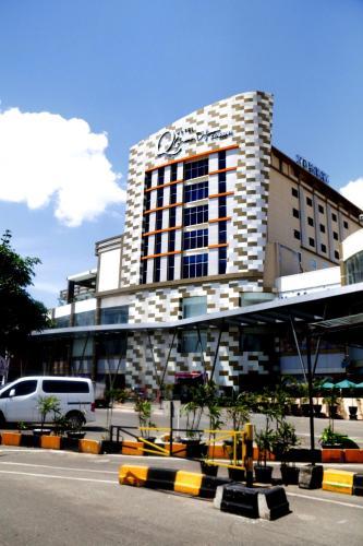Grand Dafam Q Hotel Banjarbaru || Dhm Syariah