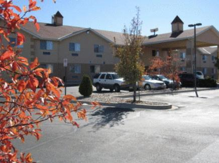 Photo of Americas Best Value Inn Colorado Springs Hotel Bed and Breakfast Accommodation in Colorado Springs Colorado
