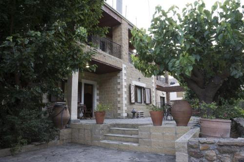 Elia Maisonette Therissos