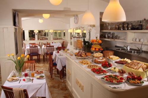Hotel Modigliani - 4 of 44
