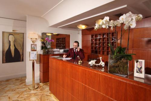 Cafe Modigliani Hours