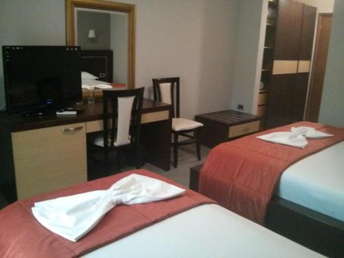 Cameră dublă cu balcon (2 adulţi + 1 copil) (Double Room with Balcony (2 Adults + 1 Child))