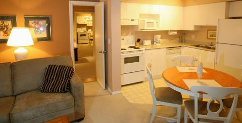 Suite 2 Habitacions Familiar (Family Two-Bedroom Suite)