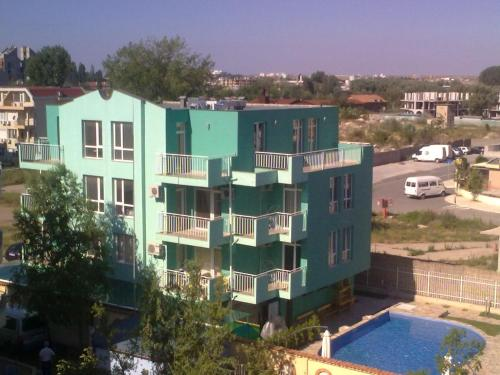 Apartments in Green Homes
