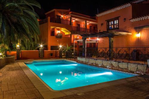 Отель Volcano Beach Hotel 4 звезды Испания