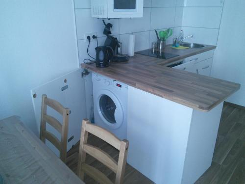 messewohnung in d sseldorf rath d sseldorf. Black Bedroom Furniture Sets. Home Design Ideas
