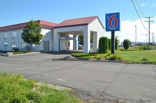 Motel 6 Billings - North MT, 59101