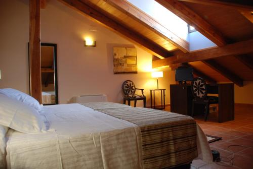 Double or Twin Room Hotel Convento Del Giraldo 6