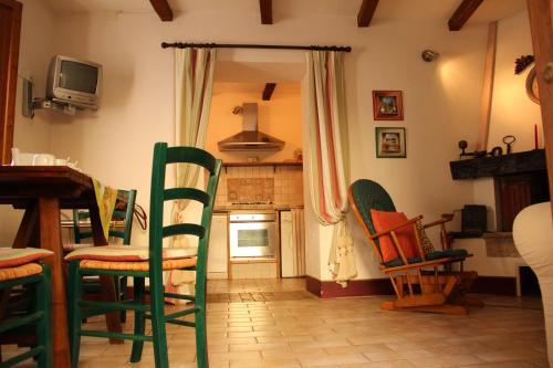 Prenota Apartment Borgo di Montemerano