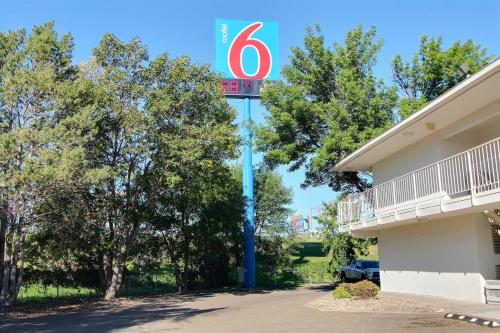 Picture of Motel 6 Bismarck