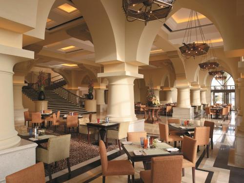 Shangri-La Hotel, Qaryat Al Beri photo 10