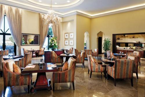 Shangri-La Hotel, Qaryat Al Beri photo 27