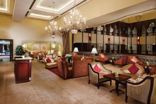 Shangri-La Hotel, Qaryat Al Beri photo 29