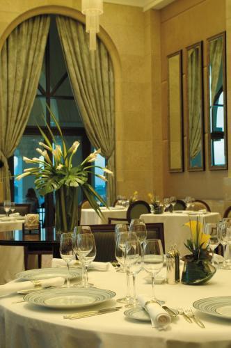 Shangri-La Hotel, Qaryat Al Beri photo 36