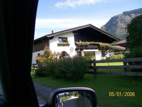 Ferien Apartment Tonner - Apartment mit 2 Schlafzimmern, einem Balkon und Bergblick