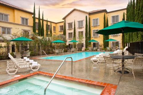 Ayres Hotel Laguna Woods - 5.0 star rating for travel with kids