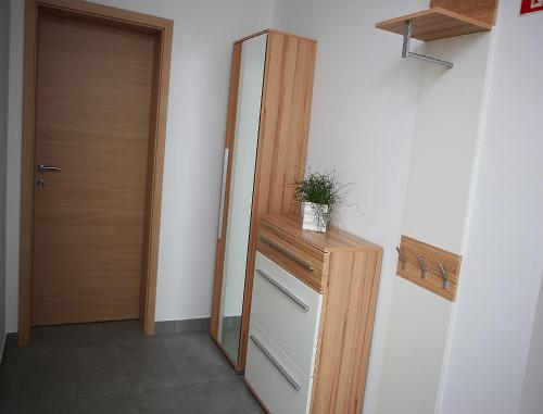 Divu guļamistabu apartaments ar dārza skatu (Two-Bedroom Apartment with Garden View)