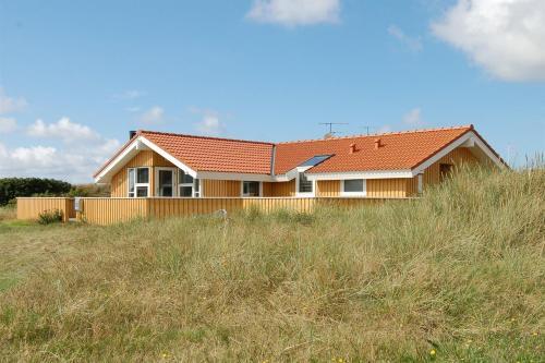 Holiday home Eskildsens H- 204