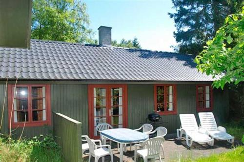 Holiday home Dueodde F- 882